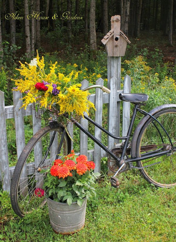 Upcycled garden ideas - bicycle planter