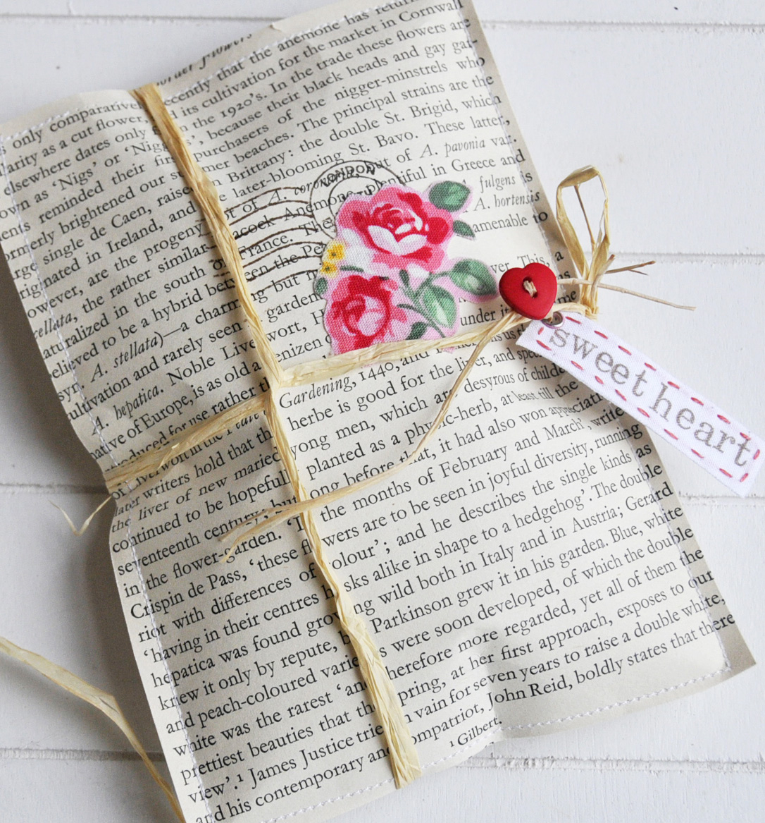 Green Gift Wrapping Paper Ideas - Book Page Gift Packet